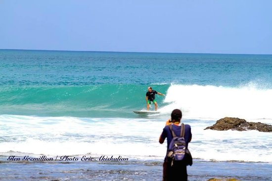 Horizontes del Mar Complex: surf and sleep within 100 yards