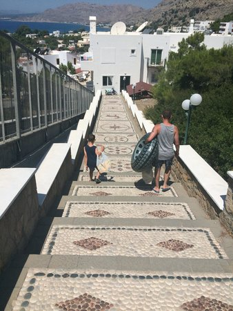 Pefkos Beach Hotel: Soon got used to the stairs
