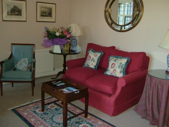 Bodysgallen Hall & Spa: Sitting room in the Vaughan Suite