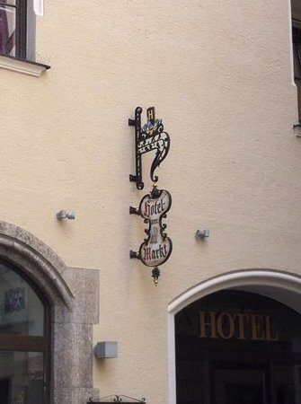 Hotel Am Markt: insegna