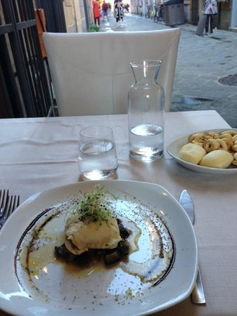 Il Ristorantino di Bayon: Sea Bass stuffed with fresh mozzarella