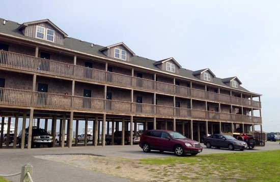 The Breakwater Inn : Newer (10 year old) rooms.  Covered parking!