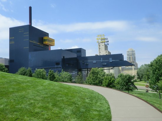 Guthrie Theater: Awesome view - Gutherie Theater, Endless Bridge (5th floor), Observation area (9th floor)