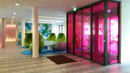 Eingangsbereich bild von prizeotel hamburg city hamburg for Designhotel prizeotel hamburg city