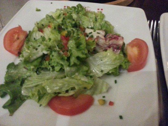 Le Chalet Savoyard : Petite salade d'accompagnement