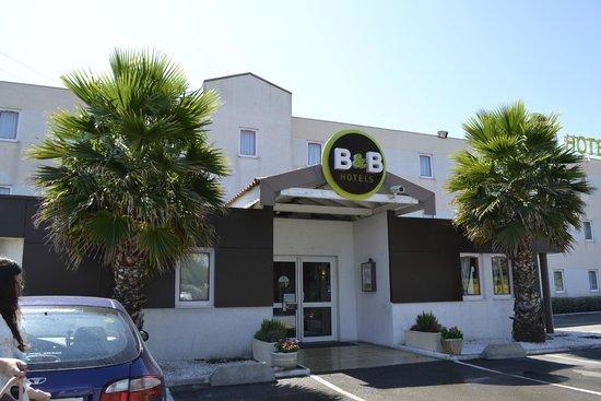 B&B Hotel Montpellier 1 : hotel du parking