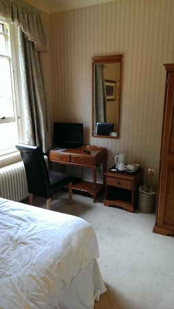 Woodland Manor Hotel: Dressing table in room 19