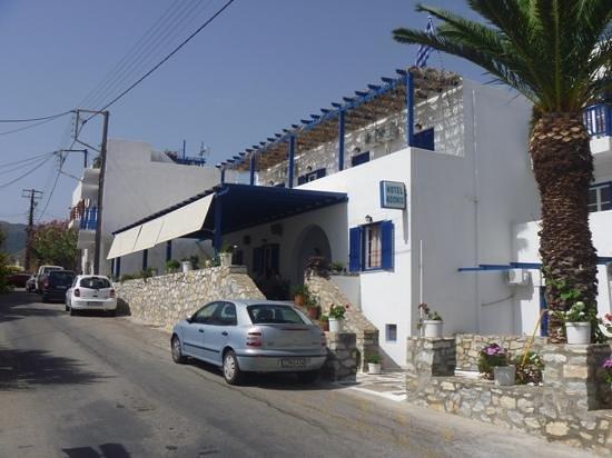 Adonis Hotel : street view