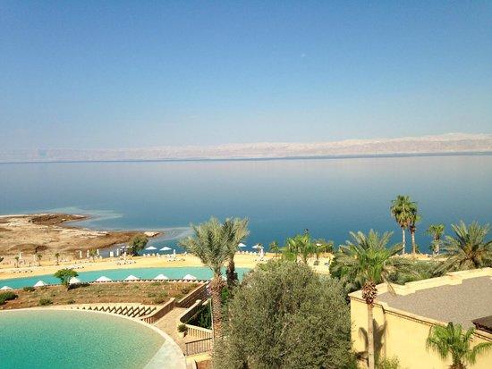 Kempinski Hotel Ishtar Dead Sea : la vista sul Mar Morto