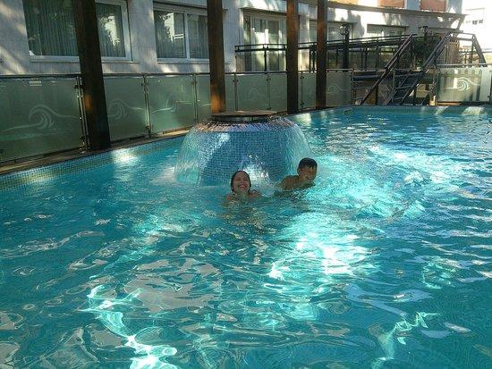 Concord Hotel: In piscina