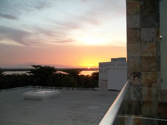 Sun Palace: Sunset
