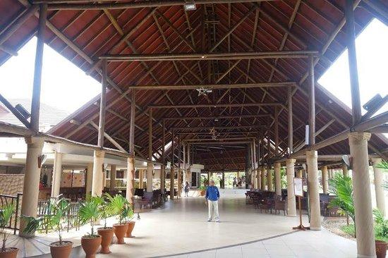 Amani Tiwi Beach Resort: on the way to dinning area