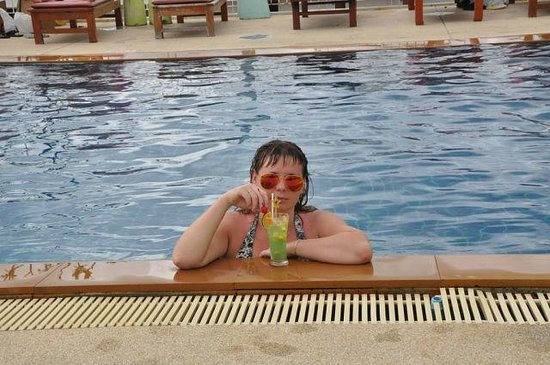 Baumancasa Karon Beach Resort : бассейн