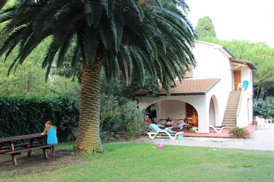 Ghiacci Vecchi: Il giardino accanto alle case
