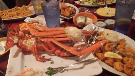 Florida's Seafood Bar & Grill: Giant seafood platter. YUM!