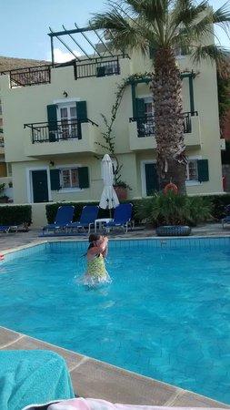 Sunrise Apartments : No kids pool but still okay