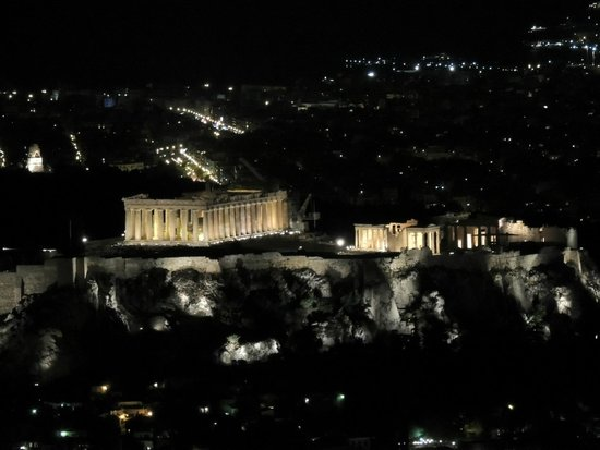 Mount Lycabettus: Acropolis at night