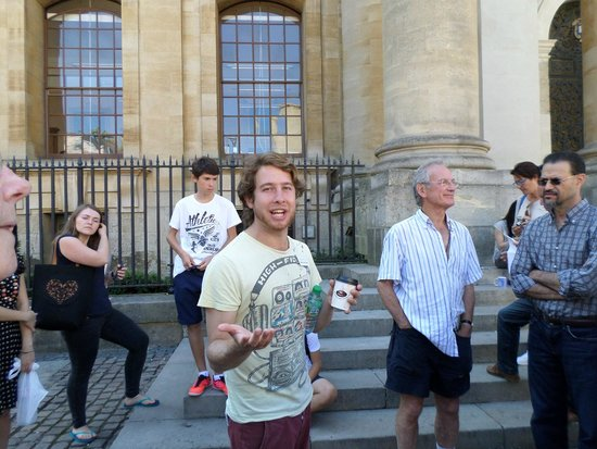 Footprints Tours Oxford : Here's Tom.