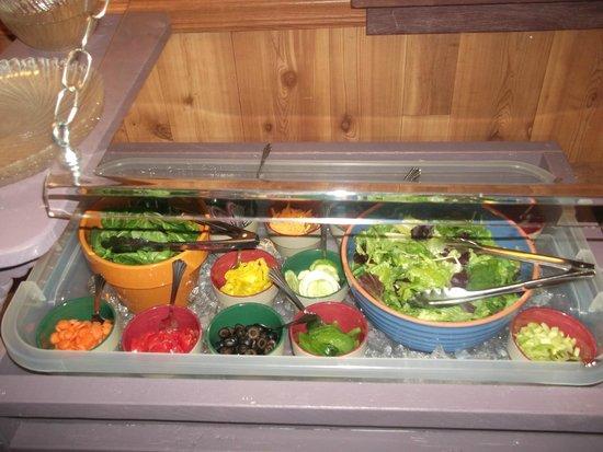 Chillicothe, IL: Salad Bar