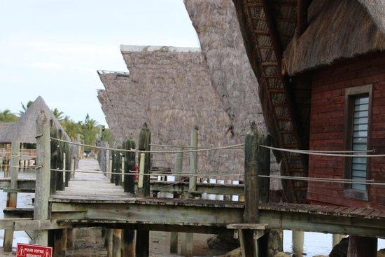 Kuendu Beach Resort: The rooves tattered, the walkway broken