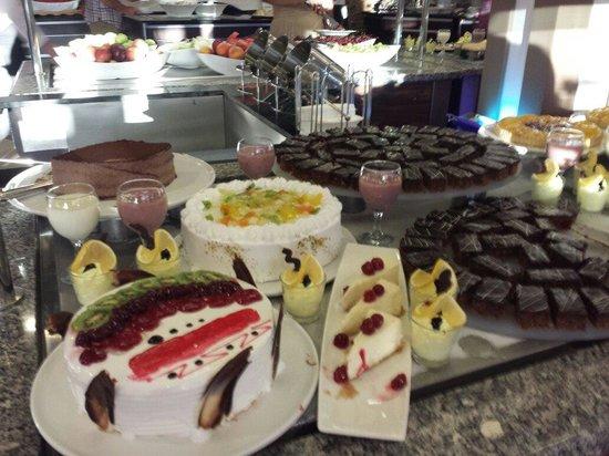 TUI SENSIMAR Marmaris Imperial Hotel: Desserts! Yum!