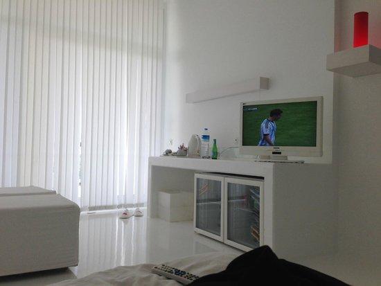 Hotel SU : телевизор с множеством каналов
