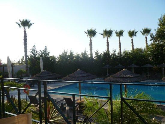 Blue Lagoon Resort: Piano Bar pool