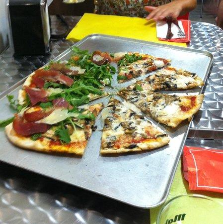 Pizzeria L'Originale: Pizza mediana, increíble.