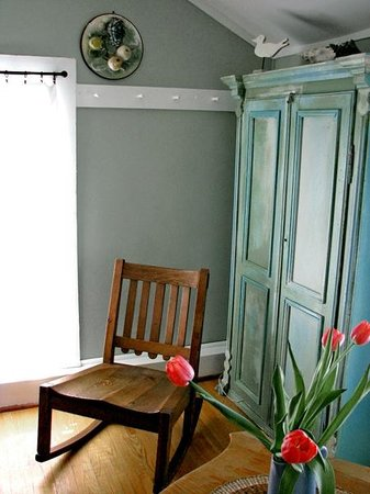 Bee & Bee ~ Bed and Breakfast: Bee & Bee ~ The Green Room