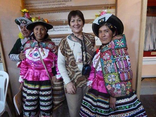 Centro de Textiles Tradicionales del Cusco: Disfrutando de la compania de diferentes culturas