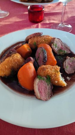 Castelo do Mar Bar, Restaurante: duck breast