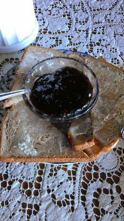 Hogland House: Breakfast