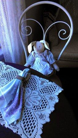 Hogland House: Lilac Room