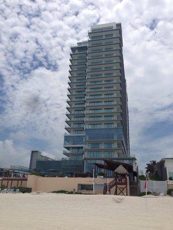 Secrets The Vine Cancun : Hotel from the beach.