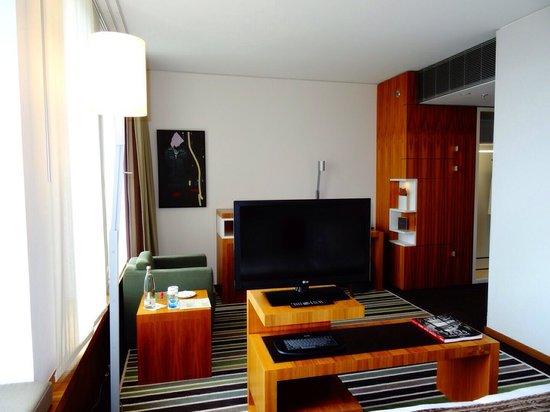Sofitel Berlin Kurfürstendamm: Suite at the Sofitel