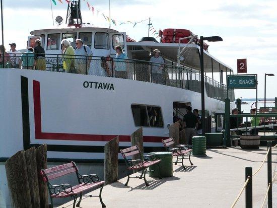 Star Line Mackinac Island Ferry: ferry