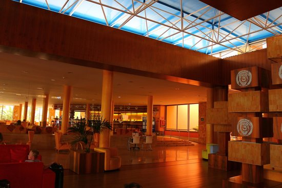 Barceló Fuerteventura Thalasso Spa: Bar & Reception