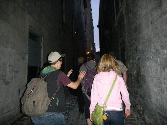 Fantomes Montreal Ghosts : Ghost Walking