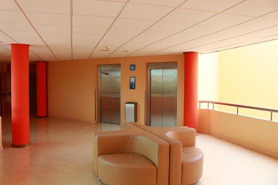 Barcelo Fuerteventura Thalasso Spa: Lifts