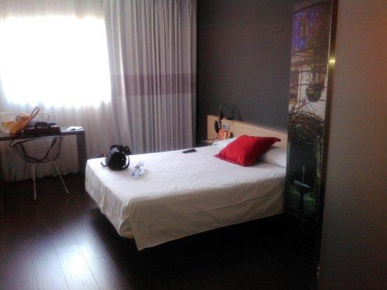 B&B Hotel Granada: quarto
