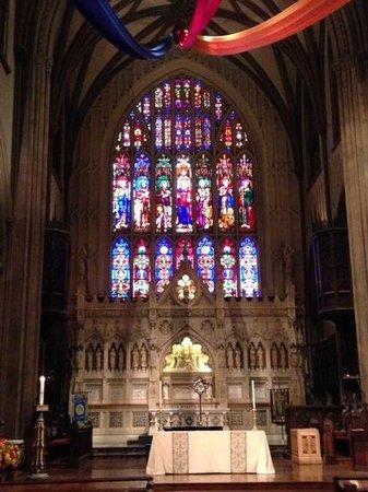 St. Patrick's Cathedral: ステンドガラス