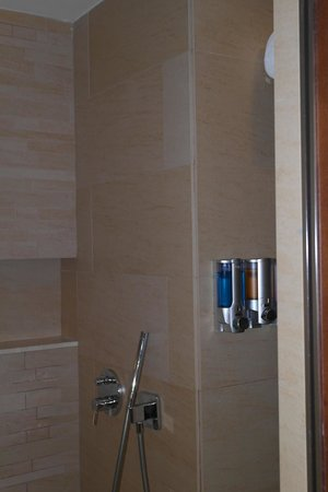 Family Club at Barceló Bávaro Palace Deluxe : Shampoo/Condicionador e Sabonete líquido! Achei isso incrível! Queria um para minha casa!