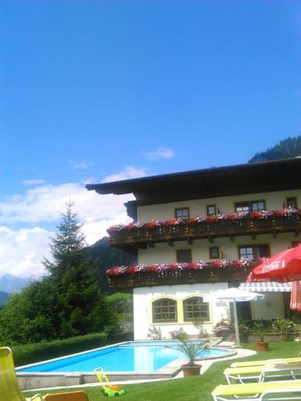 Hotel Dorfer: View from sunbed