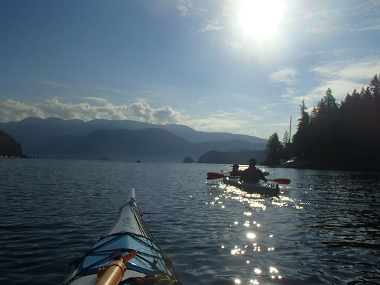 Deep Cove Kayak: nice and sunny