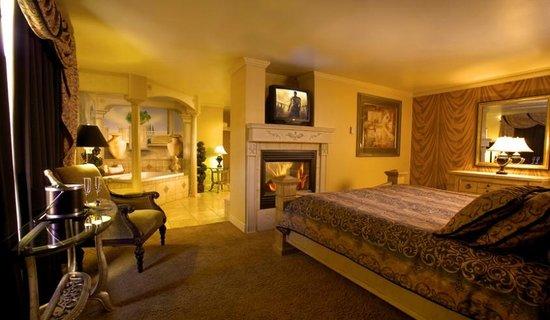 McGills Hotel and Casino : Roman Suite