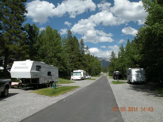 tunnel mountain village 1 campground banff canada. Black Bedroom Furniture Sets. Home Design Ideas