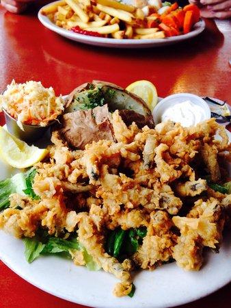 Shore Line Restaurant: Deep dried clams!