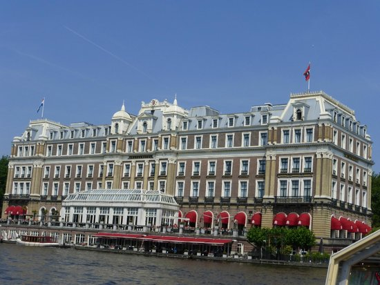Hop On Hop Off : The Amstel Hotel from the Canal Bus