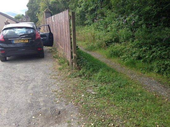 Dreadnought Hotel: public footpath next to missing car park fencing panel