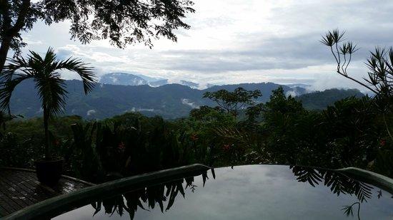 Las Nubes Natural Energy Resort : la vue sur les montagnes